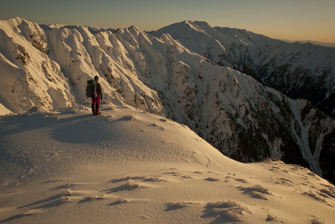 Better come back in summer. Heavy winter snow cloaks Sawtooth Ridge. Photo: Shaun Barnett