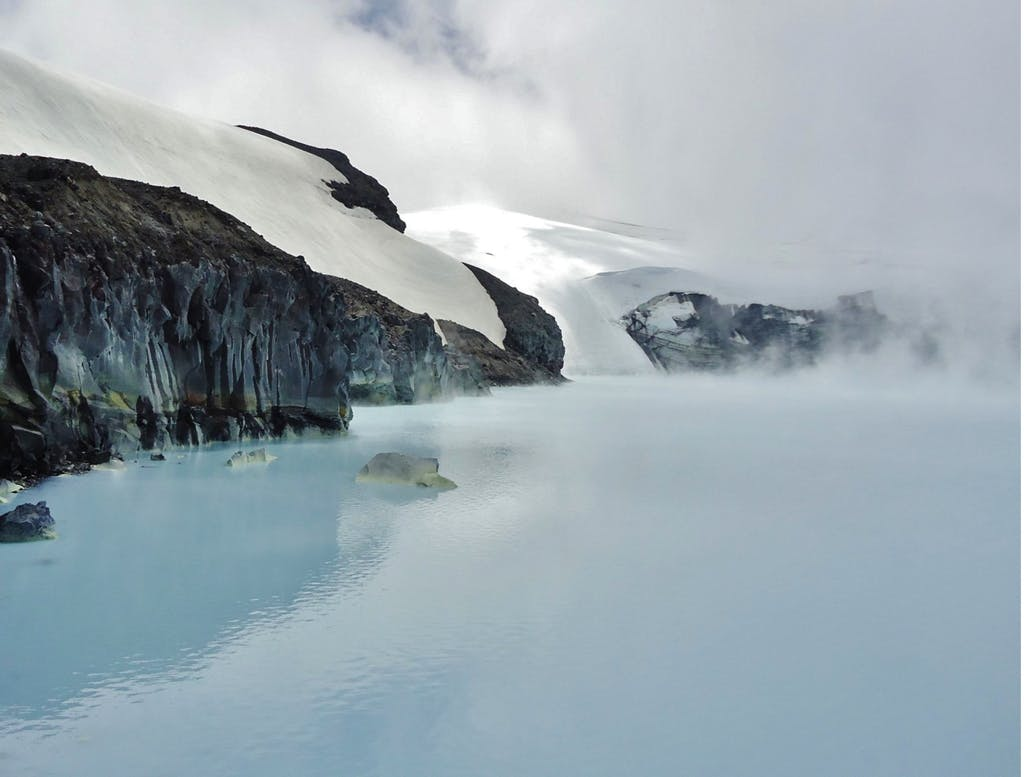 Crater Lake_ruapehu_Tim Hutcheson