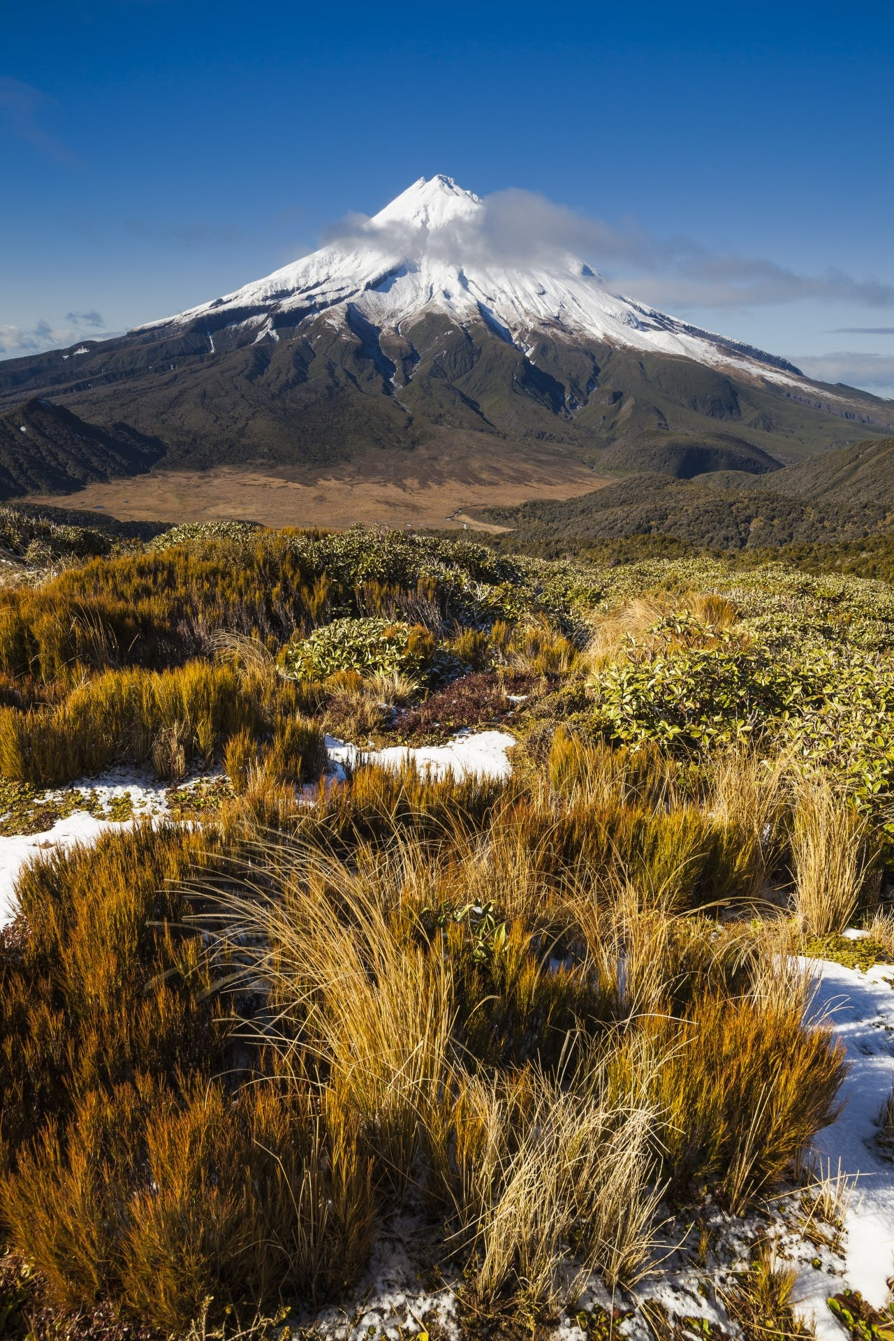 Views From Pouakai Range are arguably better than on the Tongariro northan circuit