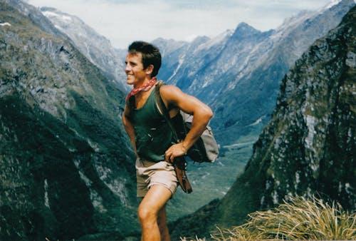 Ray Willett at Mackinnon Pass 1958