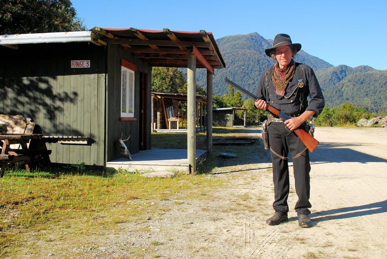 W-03 Cowboy Mike (3872x2592)