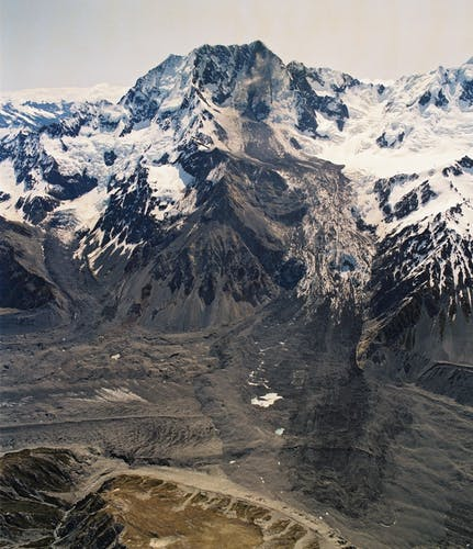 Aoraki Rock Avalanche: A colossal amount of rock and ice fell from the mountain in 1991
