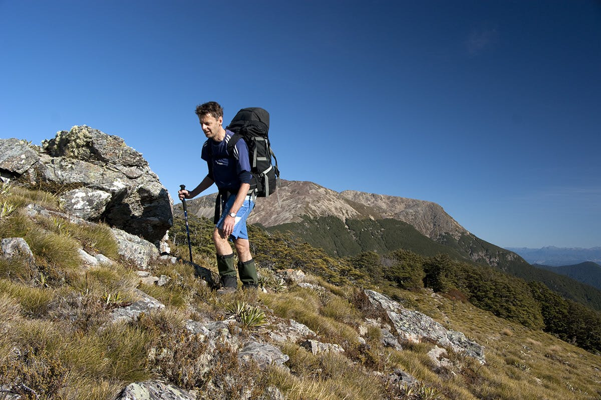 Malcolm puts Mt Rintoul behind him, en route to Old Man. Photo: Ray Salisbury