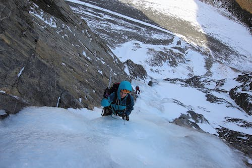 Shelley Hersey climbs in south Temple Valley near Lake Ohau in preparation for the Himlayan expedition