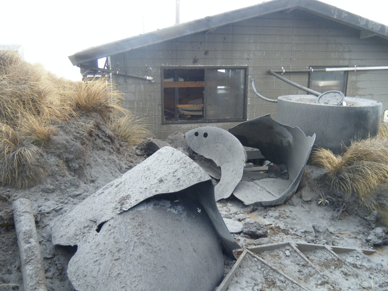 The damage to ketetahi Hut and the TAC track is extensive – and costly