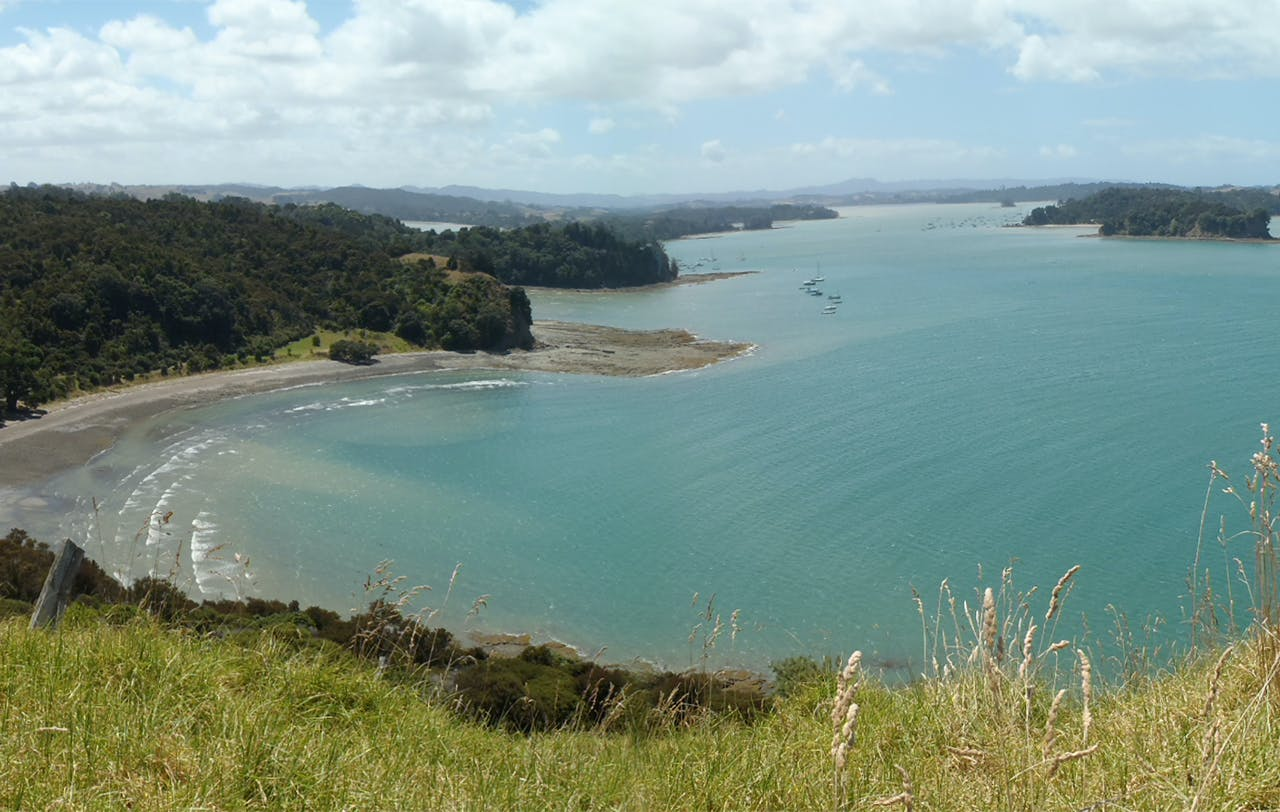 Sheltered and with numerous bays, Mahurangi Peninsula makes a perfect paddling location. Photo: Ruth Henderson